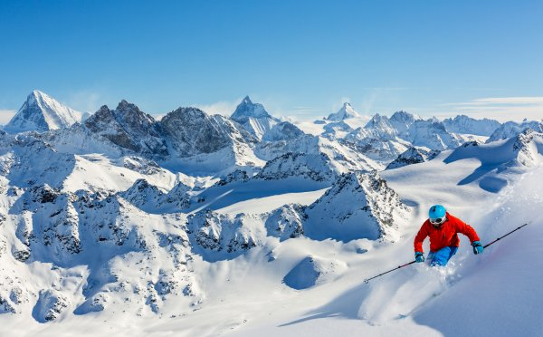 Lyžování ve Švýcarsku: Staňte se králi bílých plání vzemi osmitisícovek