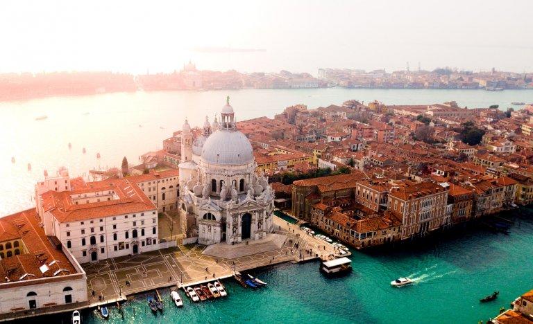 Plánované vstupné do Benátek je odloženo