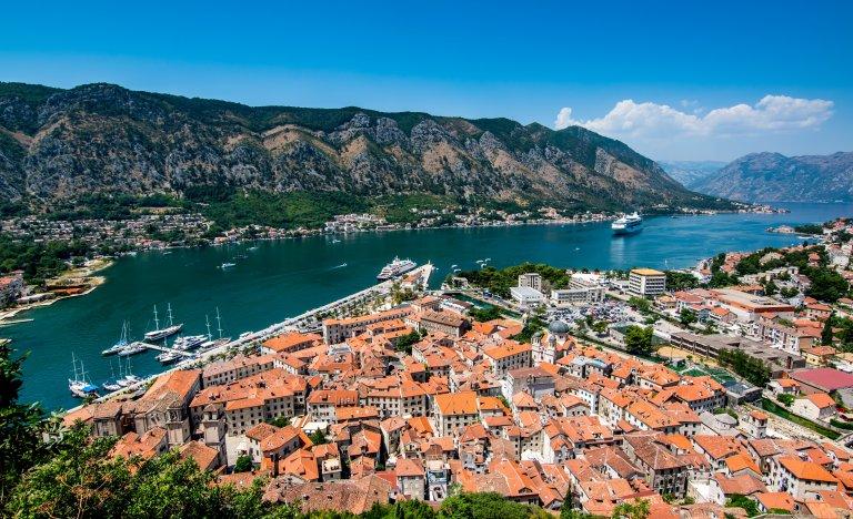 Srbsko a Černá Hora na seznamu červených zemí. Češi musí na testy